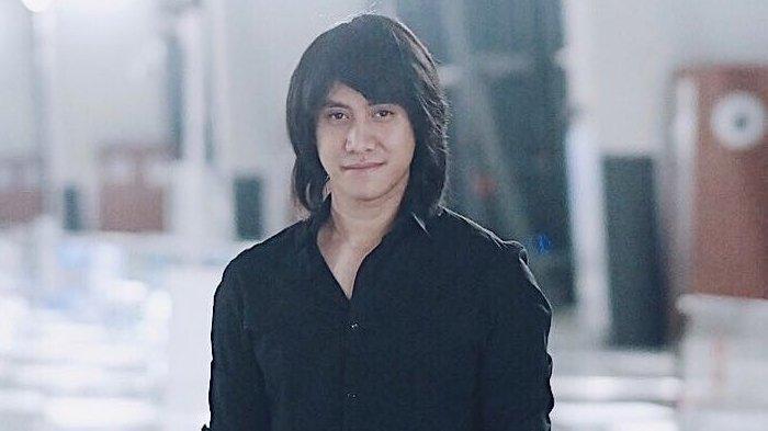 Profile Kevin Aprilio Sang Pianis Band Vierratale
